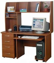 стол компьютерный в очень хорошем состоянии
